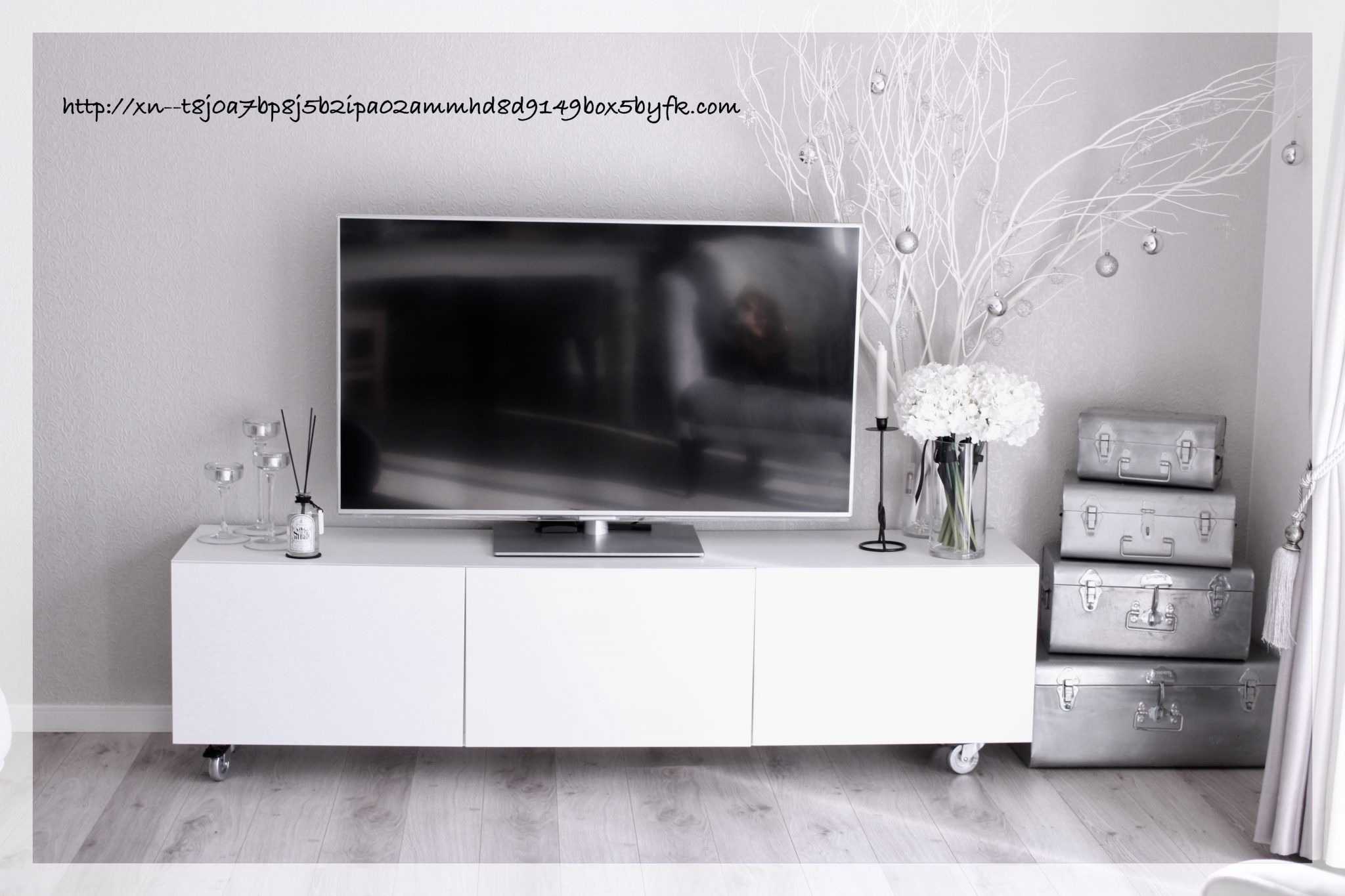 《収納》テレビ台の中をスッキリ&シンプル収納に改良*