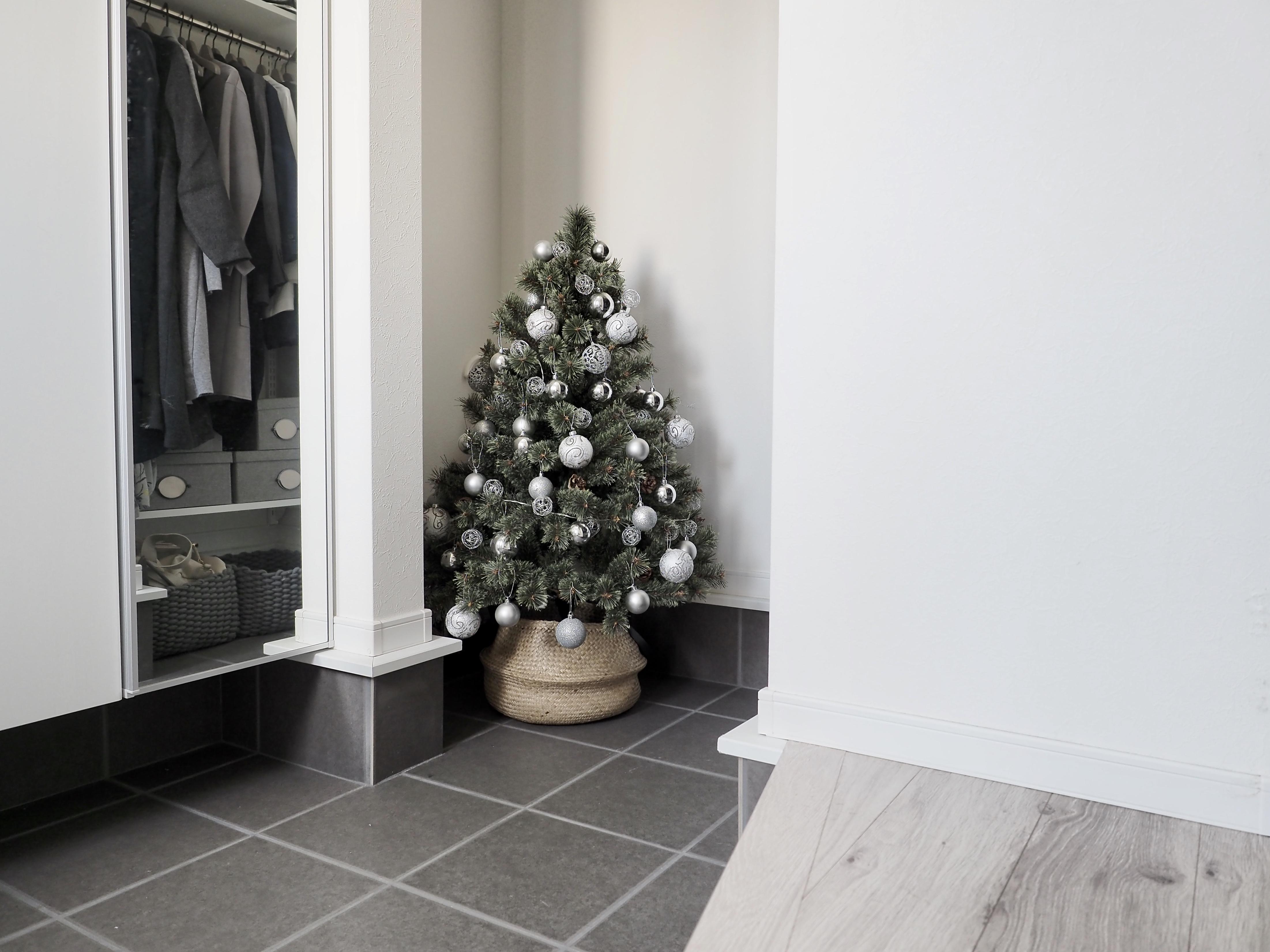 《クリスマスツリー*飾り付け》オーナメントの統一感でおしゃれ感アップ!