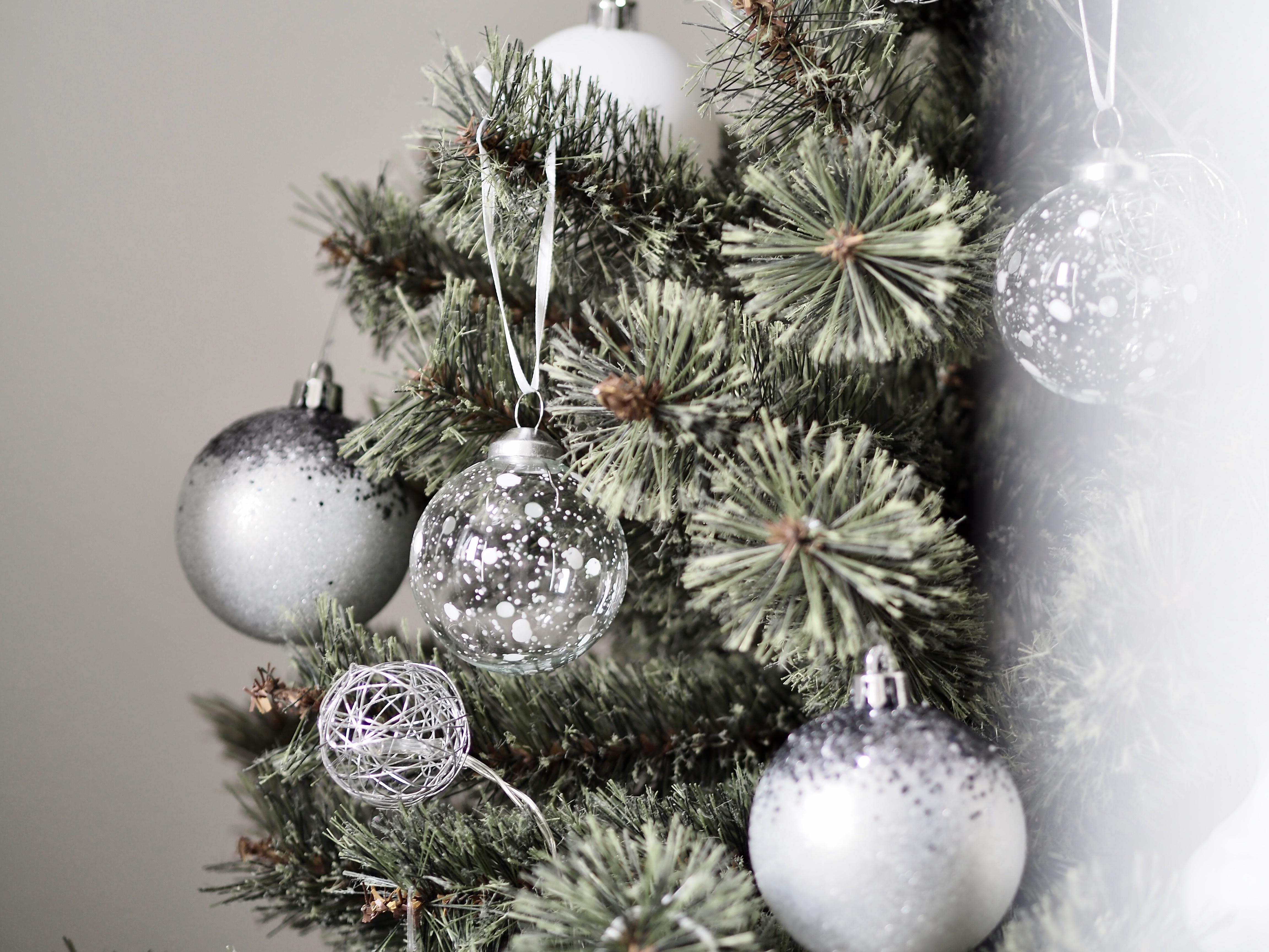 《IKEA クリスマスオーナメント》ツリーがおしゃれに♪おすすめデコレーショングッズ*